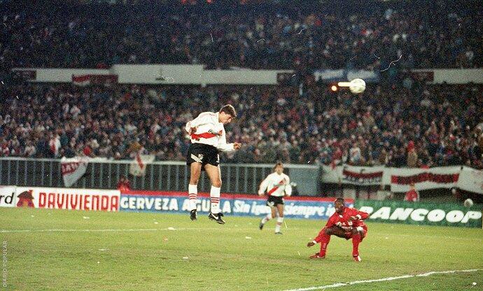 Crespo - Gol Final Libertadores 1996